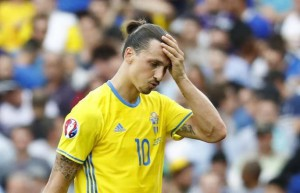 Football Soccer - Italy v Sweden - EURO 2016 - Group E - Stadium de Toulouse, Toulouse, France - 17/6/16 Sweden's Zlatan Ibrahimovic looks dejected after the match REUTERS/ Michael Dalder